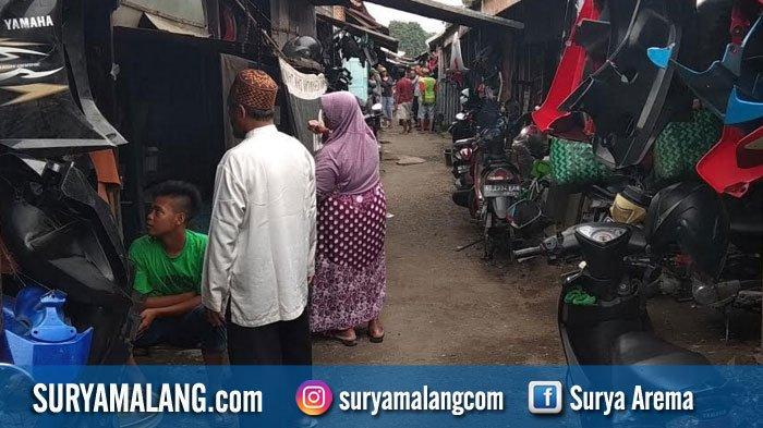 30 Tahun Numpang Jualan di Lahan PT KAI Blitar, Ratusan Pedagang Enggan Direlokasi