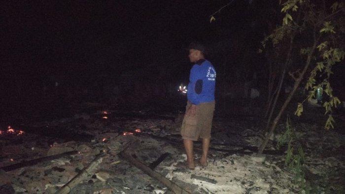 Ditinggal Beli Bakso, Diduga Karena Obat Nyamuk Tiga Rumah Ludes Terbakar Di Tuban
