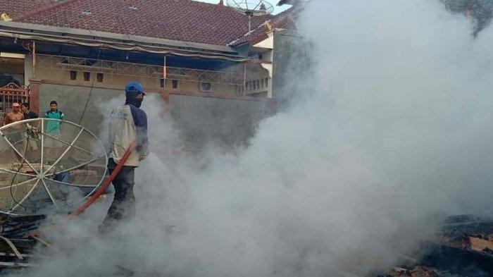 Rumah Kayu Ludes Terbakar Di Tuban, Kerugian Capai Puluhan Juta Rupiah