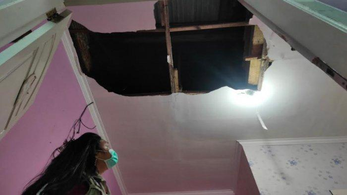 Dikira Kebakaran, Ternyata Plafon Rumah Warga Sukun Malang Ambruk Seusai Diguncang Gempa di Blitar