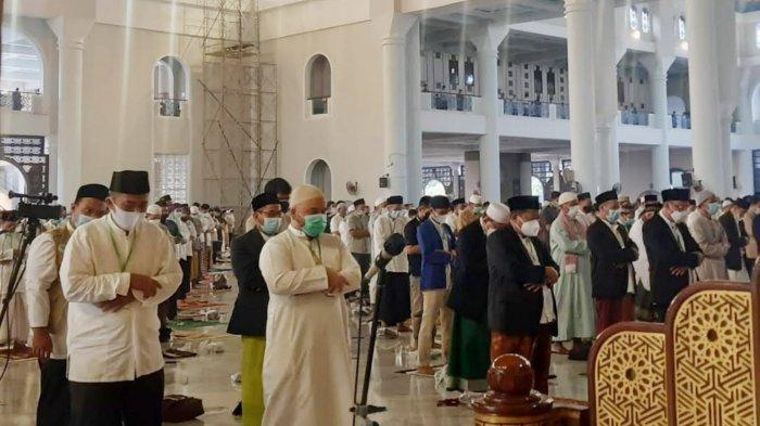 Salat Ied di Masjid Al-Akbar Surabaya Diikuti 4800 Jamaah, Semua Mendaftar Dulu dan Wajib Prokes