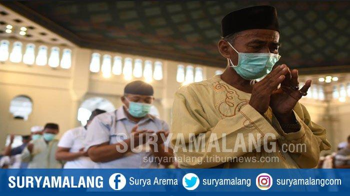 Salat Jumat Tetap Berjalan di Masjid Nasional Al Akbar Surabaya, Protokoler Ketatpun Diterapkan