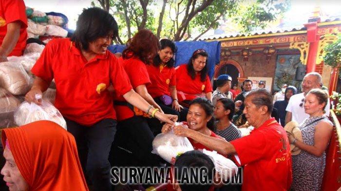 GALERI FOTO - Ritual Sedekah Bumi di Kelenteng Tertua Kota Malang