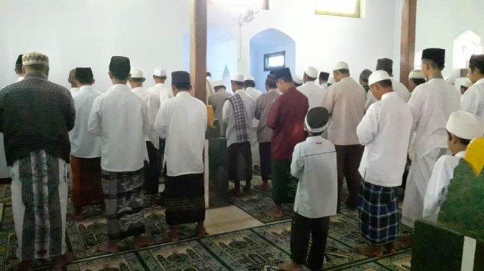Jamaah Al Muhdlor Di Tulungagung Melaksanakan Idul Fitri Dua Hari Lebih Awal