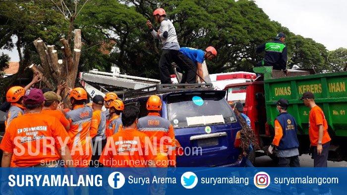 Saat Banjir, Angin Puting Beliung, Tanah Longsor, dan Kebakaran Hantui Kota Malang . . .