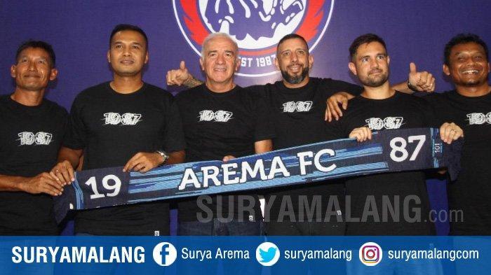 Staf Pelatih Arema FC Legowo Pemotongan Gaji 50 Persen