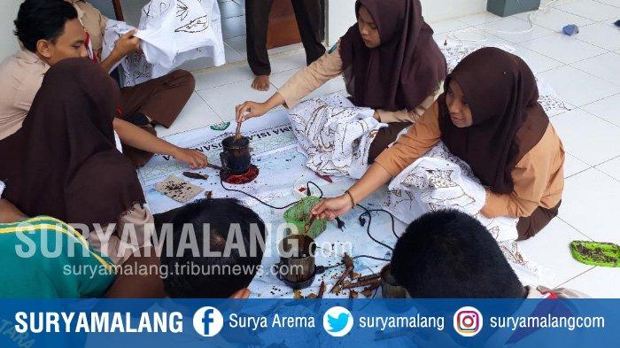 Siswa SMA Islam Nusantara Beri Keterampilan Membatik Siswa