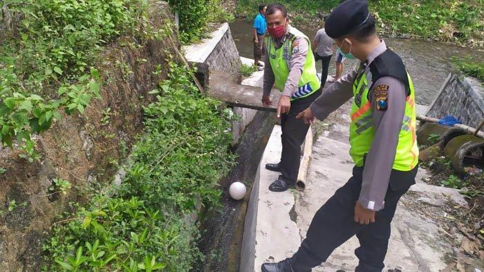 Terpeleset ke Saluran Air saat Main Bola, Siswa SD di Kota Blitar Tewas