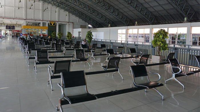 Situasi ruang tunggu Terminal Purabaya tampak kosong saat Pandemi Covid-19, Sabtu (4/6/2020)