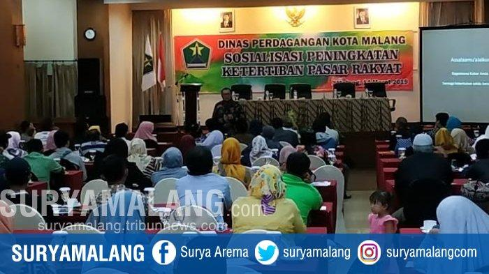 Dinas Perdagangan Kota Malang Gelar Sosialisasi Kepada PKL Untuk Tingkatkan Ketertiban Pasar