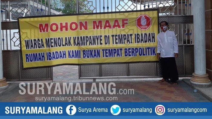 Jelang Pilbup Gresik, Bertebaran Spanduk 'Rumah Ibadah Kami Bukan Tempat Berpolitik' di Masjid