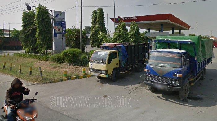 Ngeri! Motor Mahasiswa Asal Jombang Terbakar di Area SPBU Kebraon, Surabaya