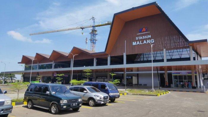 Stasiun Malang Baru yang berada di sisi Timur stasiun Kota Malang yang lama