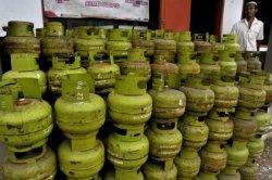 Kemenkeu: Realisasi subsidi BBM dan LPG 3 Kg Diproyeksi Lampaui Pagu Tahun Ini