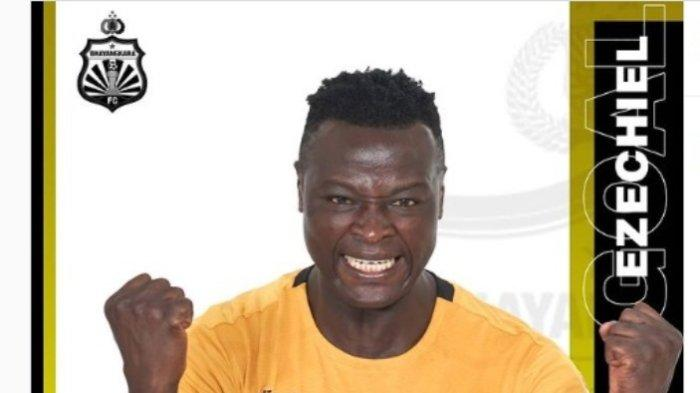 Daftar Top Skor Sementara Liga 1 2021, Ezechiel Ndouasel Masih di Atas Bomber Arema FC dan Persebaya