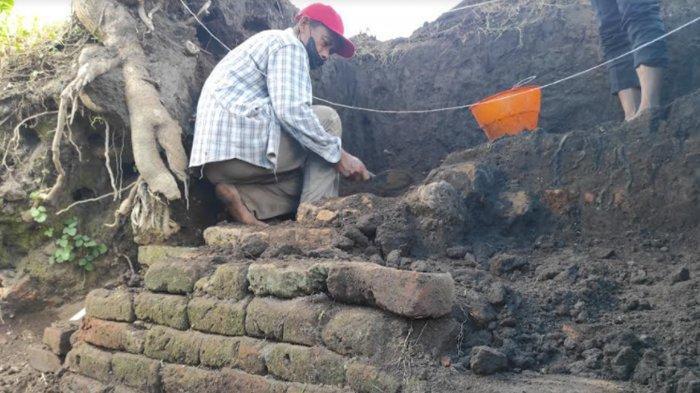 Tim BPCB Jatim Kembali Temukan Struktur Bata Kuno di Persawahan Sananwetan Kota Blitar