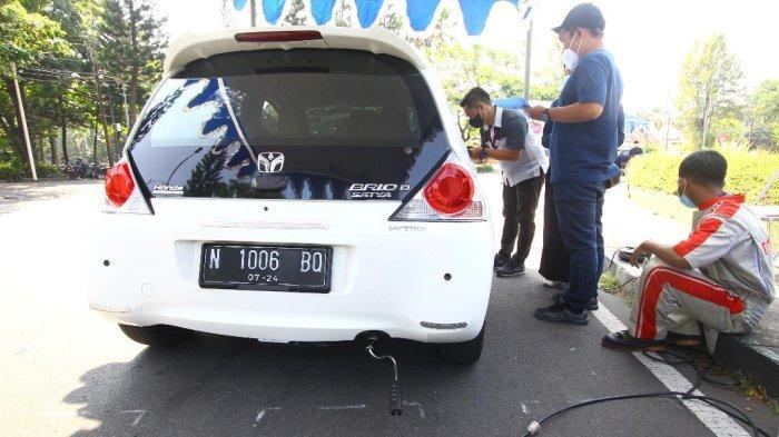 Kurangi Polusi Udara, DLH Kota Malang Gelar Uji Emisi Gas Buang Kendaraan Roda Empat