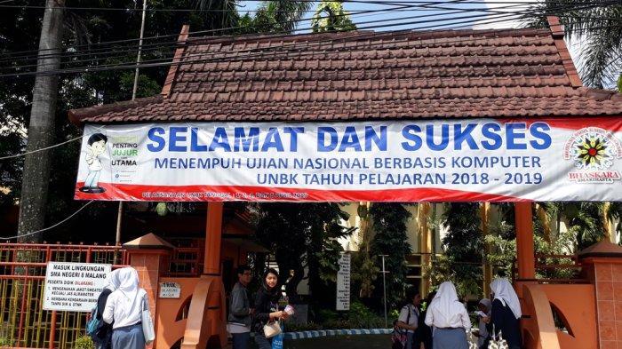 Soal Bahasa Indonesia Di UNBK SMA Di Kota Malang Dirasakan Siswa Banyak Jebakan