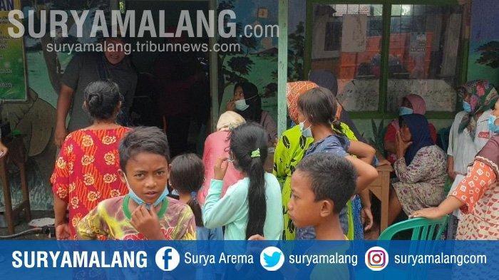 Ratusan Korban Banjir Jombang Mengungsi di Balai Desa, Butuh Alas Tempat Tidur dan Pakaian Kering