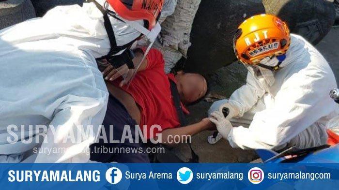 Stroke Kambuh, Subandi pingsan di Jembatan Jalan Jaksa Agung Suprapto, Kota Malang
