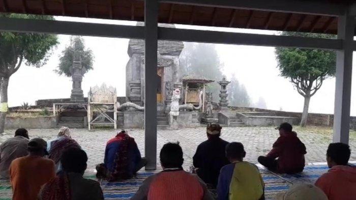 Warga Suku Tengger di Lumajang Doakan Kelancaran Pelantikan Presiden dan Wakil Presiden