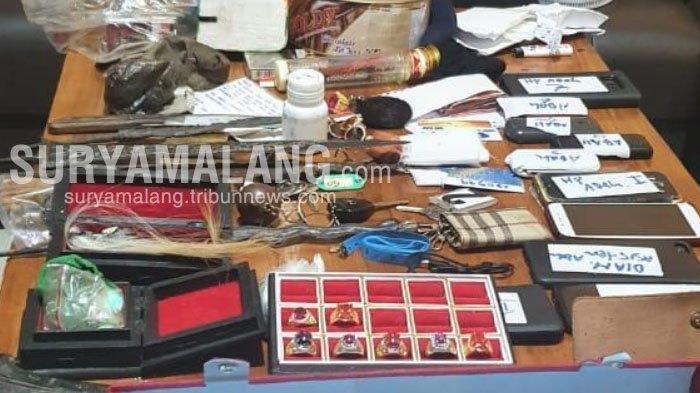 Pria Nganjuk Ngaku Sebagai Penasihat Spiritual Presiden, Polisi Sita Emas Batangan Palsu dan Jenglot