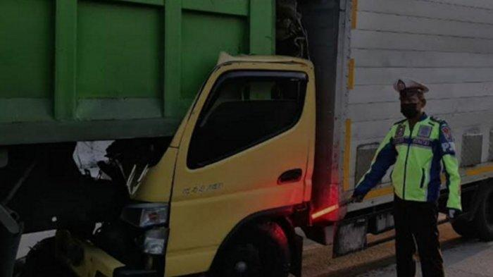 Kecelakaan Maut di Jalan Tol Ngawi, Sopir Tewas Seketika Tabrak Bak Truk Tronton di Jalur Lambat