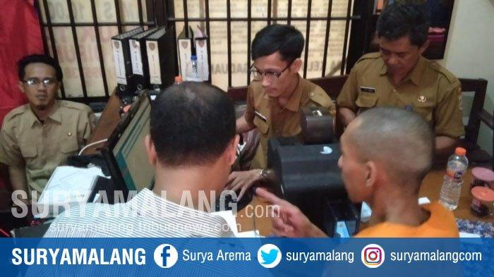 Tahanan Polres Malang Perekaman E-KTP di Ruang Jaga Tahanan