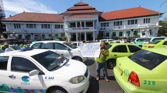 Taksi Online Masih Beroperasi di Malang, Razia Mulai Dilakukan?