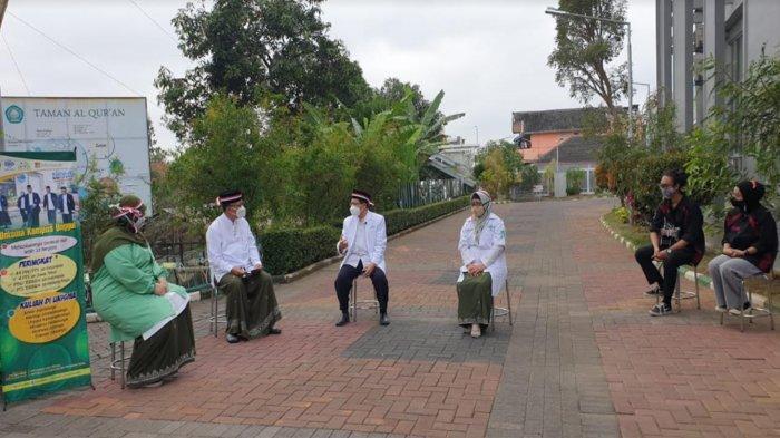 Rektor Unisma Prof Dr Maskuri Pandu Talk Show Bahas Isu Kekinian