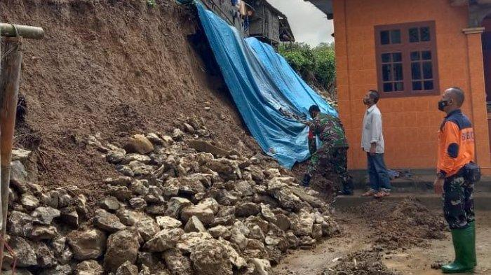 Tanah Longsor di Dua Titik Ancam 2 Rumah di Trenggalek, Kerugian Puluhan Juta Rupiah