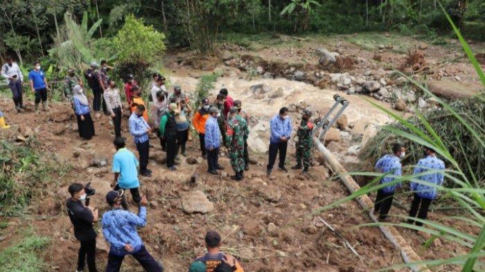 270 Keluarga Terisolasi Akibat Tanah Longsor di Kecamatan Sendang, Tulungagung