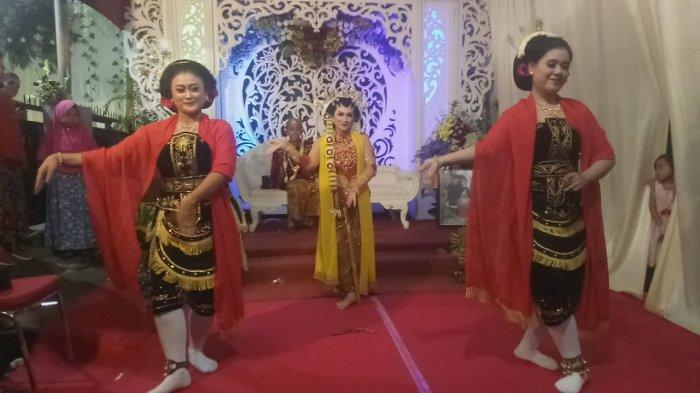 Resepsi Pernikahan Unik di Malang, Pengantin Wanita Ikut Menari Tari Beskalan