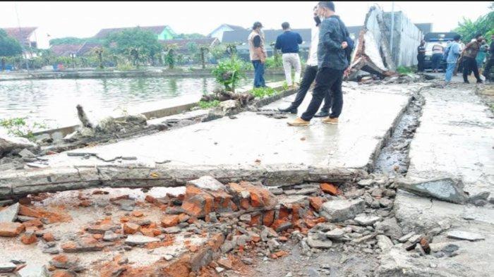Polisi Selidiki Ambruknya Tembok Pagar Balai Benih Ikan Kota Blitar Yang Tewaskan Bocah 10 Tahun