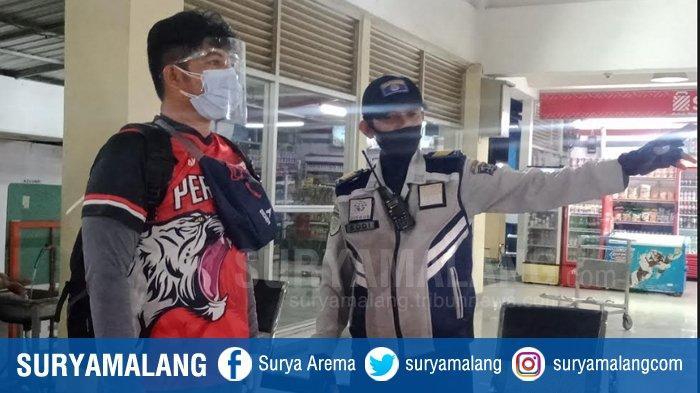 Terminal Purabaya Bungurasih Mulai Diserbu Penumpang Bus, Protokol Kesehatan Tetap Ketat