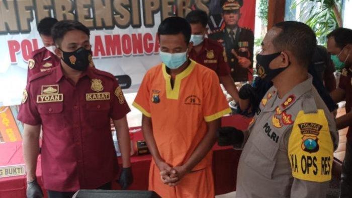 Tersangka Kusiyanto di Polres Lamongan, Selasa (30/3/2021).