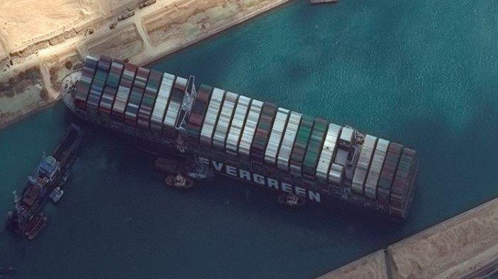 Kapal 'Mogok' yang Bikin Macet Terusan Suez Bisa Dipindahkan ke Selat Sunda, Lelucon untuk Hiburan