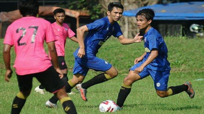 Gawang Arema FC Dibobol Pemain Arema U-20 di Latihan Bersama Pasca Turnamen Wali Kota Solo Diundur