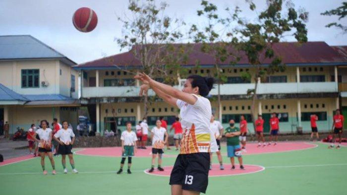 Tim Basket Putri Jatim Tak Gentar Hadapi Juara PON XIX , Siap Tanding Setelah Adaptasi di Mimika