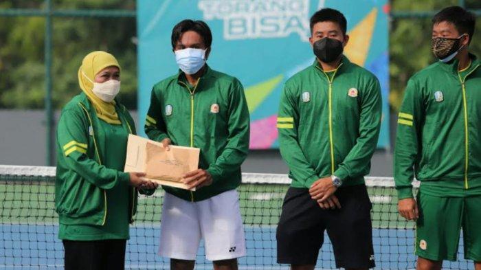 Tim Tenis Beregu Putra Jatim Sabet Medali Emas Dan Bonus Mentas Dari Gubernur Jatim
