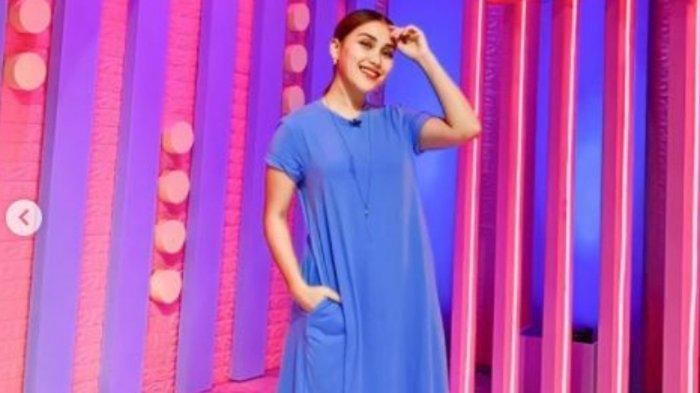 Tingkah Ayu Ting Ting Jadi Sorotan, Tak Malu Nempel ke Bintang Tamu hingga Buat Wendy Cagur Bereaksi