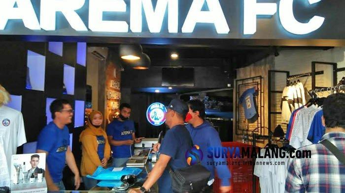 Jelang Lebaran dan Kompetisi 2021, Arema FC Official Store Gelar Cuci Gudang