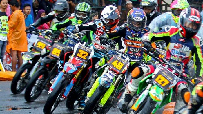Cuaca Malang Sering Berubah-ubah, Para Pembalap TGA 2019 Siapkan Motor dan Ban Cadangan