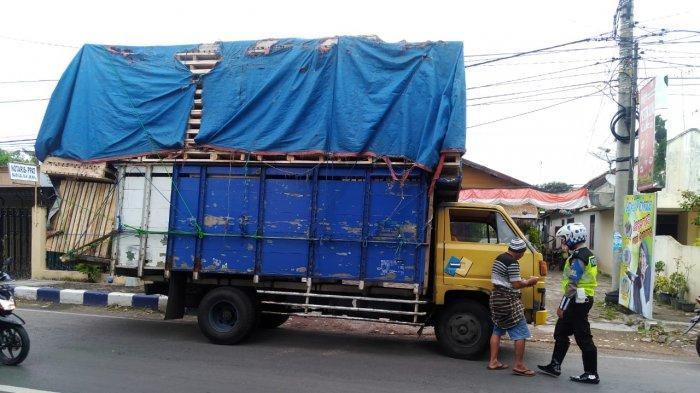 Awas, Kendaraan Bermuatan Over Kapasitas Melintas Di Bojonegoro Akan Ditilang