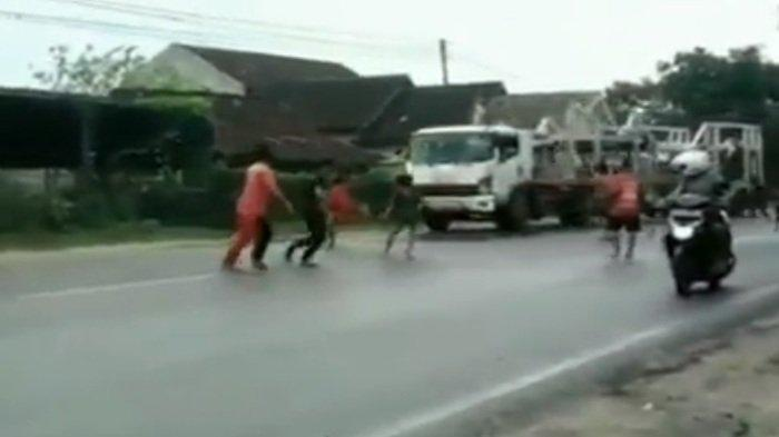 Viral Aksi Anak Punk Berbuntut Kecelakaan di Tuban, Sopir Truk Tabrak Rumah Demi Hindari Korban Jiwa