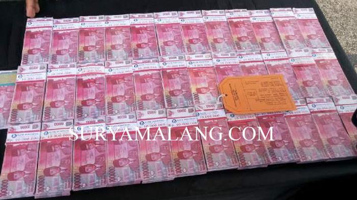 Perampokan di Hulu Sungai Tengah, Uang Rp 60 Juta Tercecer dan Berserakan Mulai SPBU sampai Sawah