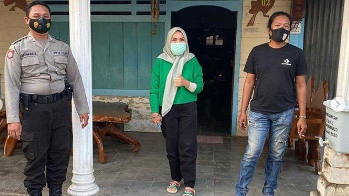 Umi Kalsum mendatangi rumah haters penghina Bilqis di Bojonegoro, Jawa Timur