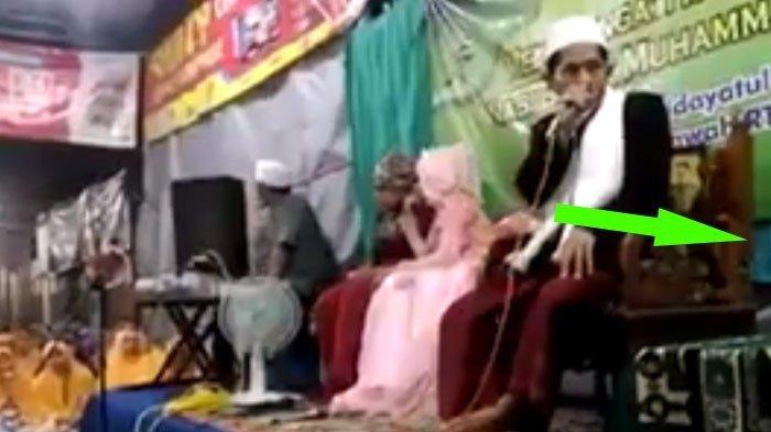 VIDEO: Asyik Ceramah, Ustaz ini Kaget Tiba-tiba Loncat dari Panggung. Tahu Apa Penyebabnya?