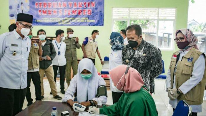 1000 Pelajar SMKN 5 Jember Jalani Vaksinasi Covid-19 Tahap Pertama dari Bantuan Pemprov Jatim