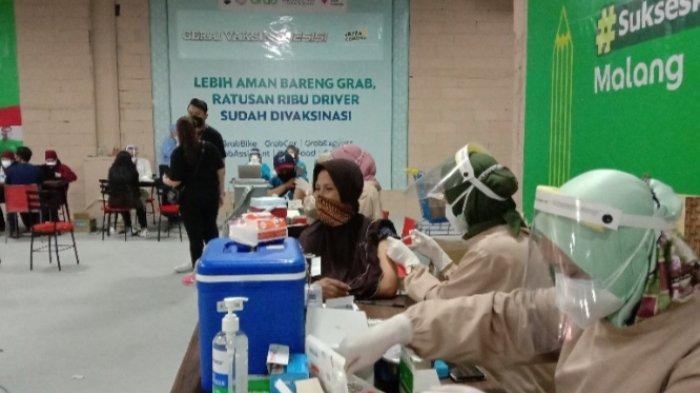 Ribuan Driver Ojol, Warga, dan Pelaku UMKM Ikut Vaksinasi Covid-19 di Matos, Kota Malang